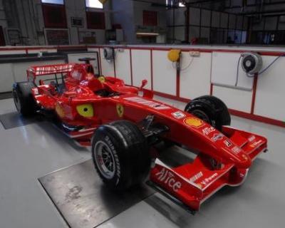 Alonso piensa en rojo